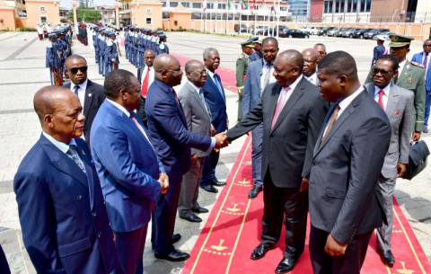President Cyril Ramaphosa welcomed by President Nguema Mbasago on arrival at the Palace of the People in Malabo.