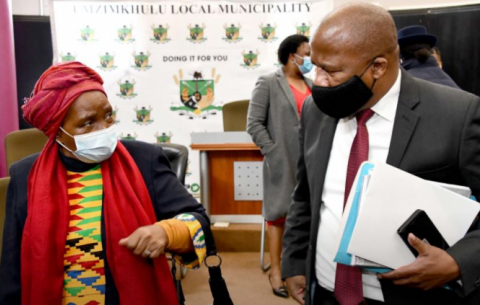 Ministers Nkosazana Dlamini-Zuma and Jackson Mthembu visit Harry Gwala District.