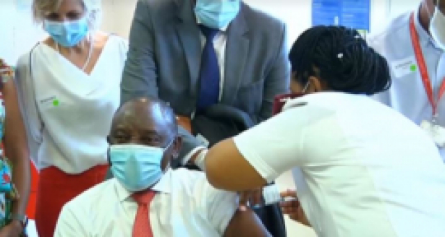 President Cyril Ramaphosa gets vaccinated.